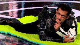 Bigg Boss 13 Day 69: Salman Enters In Dabangg Style