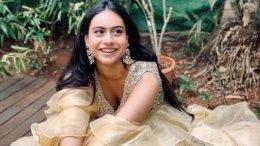 Ajay-Kajol's Daughter Nysa Performs On Mom's Hit Songs