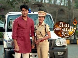 Diya Aur Baati Hum: Emily Sees Mohit With His Girlfriend!