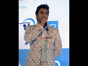 Mind-boggling! You Will Not Believe How Many Selfies Ranveer Singh Takes In A Day!