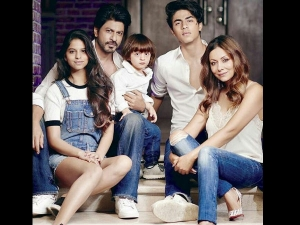 We Have Sold Our Souls For Selfies: Shahrukh Khan