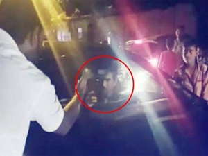 Sushant Singh Rajput Gets Into A Street Fight! Argues With A Driver For Overtaking His Car!