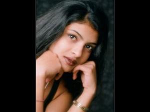 HORRIFIC! When A Director Tried To S*xually Exploit Priyanka Chopra & She Lost A Big Film