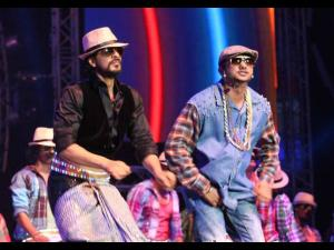Shahrukh Khan Clarifies; No Fight With Honey Singh!