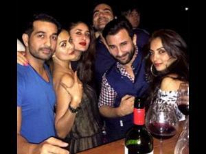 Pic: Saif Ali Khan-Kareena Kapoor Party With Friends At Goa