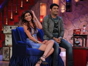 Karishma On Comedy Nights With Kapil Without Upen!