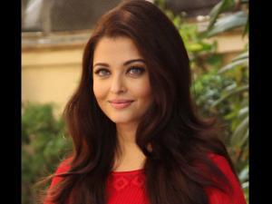 WOW! Aishwarya Rai To Feature In Jazbaa Promotional Song?