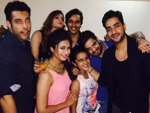 YHM's Simmi, Shireen's Birthday: Divyanka, Karan Party!