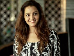 WHAT! Manju Warrier In Love With Ad Film-Maker?