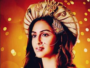 Krystle Replicates Deepika, Kangana & Priyanka's Looks!