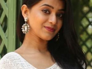 யாமினி பாஸ்கர்