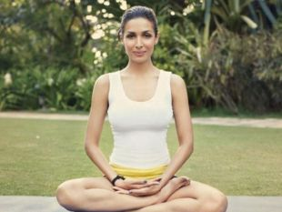 Bollywood Stars Who Are Addicted To Yoga!