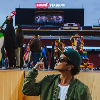 Confirmed! Bruno Mars To Perform At Super Bowl 2016!
