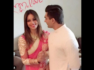 FIRST PICTURES From Bipasha Basu & Karan's Wedding Pooja
