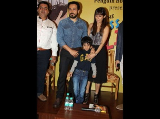 This Is What Emraan Gives His Wife After He Kisses On-Screen