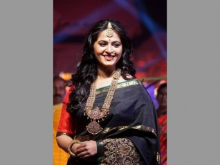 Anushka's Weight Issue Is A Concern!