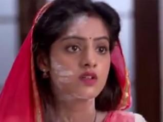 DABH:  Sooraj Turns Sandhya's Cooking Guru!