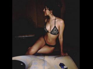 Aaliyah Ebrahim Posts Her Bikini Picture; Fans Go Crazy!