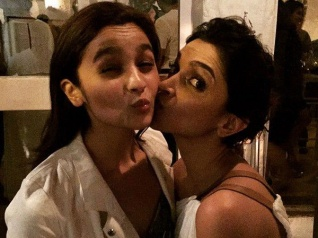 Golmaal 4 To Star Either Deepika Padukone Or Alia Bhatt!