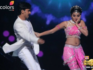 Swaragini's Helly Gets Emotional On Jhalak!