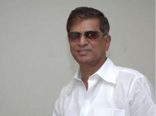 Vijay's Father SA Chandrasekhar Undergoes Surgery
