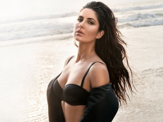 Katrina Kaif SHOCKS Her Facebook Followers By Her Comments!