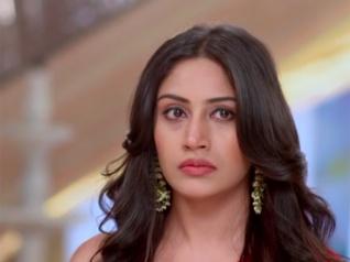 Ishqbaaz: Anika To Expose Tia's Secret; Tia To Shoot Anika?