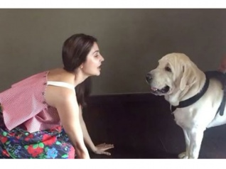Anushka Sharma Sings 'Bulleya' To Her 'Dude'!