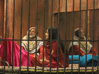 BB10: Om Swami And Monalisa Jailed!