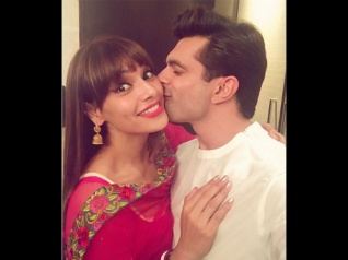 Bipasha Has Already Started Celebrating Diwali (New Pic)