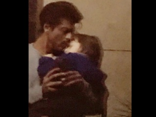 SRK Took AbRam On A Date [See Their Cute Pic]