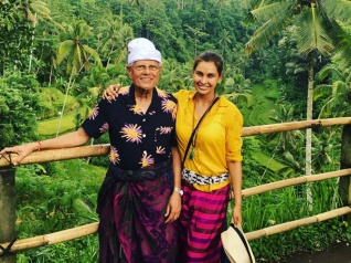 Pictures! Lisa Ray Holidays In Bali, Indonesia!