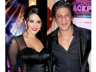 SRK & Sunny Leone's Twitter Chat Should Not Be Missed!