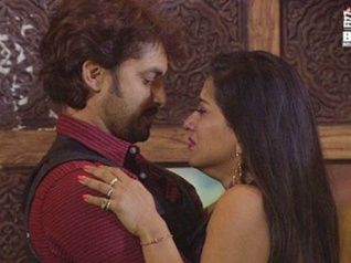 WOW! Vikrant To Propose Monalisa With A Diamond Ring!