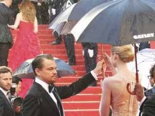 Rain Threatens Oscars Red Carpet Gala