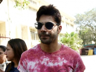 Sad! Varun Dhawan Couldn't Cast His Vote In BMC Elections