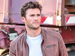 Scott Eastwood Says Paul Walker Was Like An Older Brother