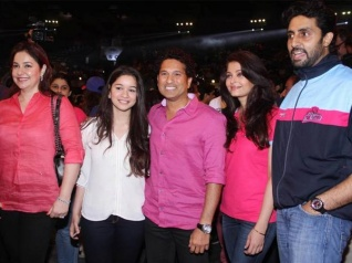 Abhishek Posts A Picture With Aishwarya & Sachin
