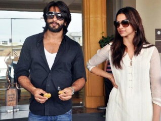 Ranveer Gets Angry At An Event; Reason Is Deepika!