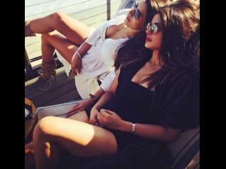 Priyanka Chopra Chills In Malibu With Her Friends! Pics
