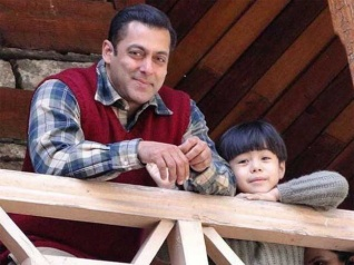 Salman Khan's Tubelight Finally Crosses Rs 100 Crore Mark!
