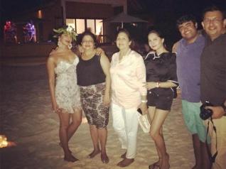 Priyanka Chopra Shares New Pics From Her Maldives Vacation!