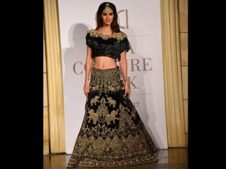 Disha Patani Looks Damn Gorgeous In Manav Gangwani's Couture