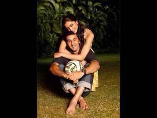 Ranbir Reveals How & When He FELL IN LOVE With Deepika