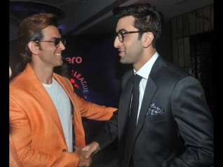 Hrithik Roshan Applauds Ranbir Kapoor; Find Out Why!