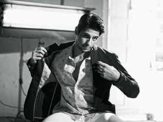 This Actor Brings Back Sidharth Malhotra On Twitter!