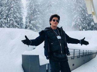 SRK Honoured To Receive Crystal Award