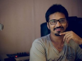 Amit: Pressure To Rehash Old Songs Comes From Producers Only
