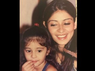 Ananya Panday Shares A Throwback Picture With Her Mom!