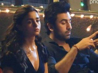 Alia Bhatt Looks MIGHTILY UPSET & Ranbir Kapoor Doesn't Care